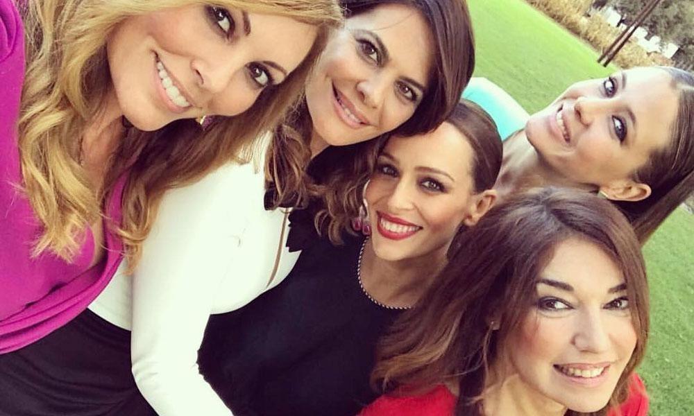 5f84b92947 MissNews - Lo que une a Eva González y otras  Misses  españolas cuando se  visten de invitada